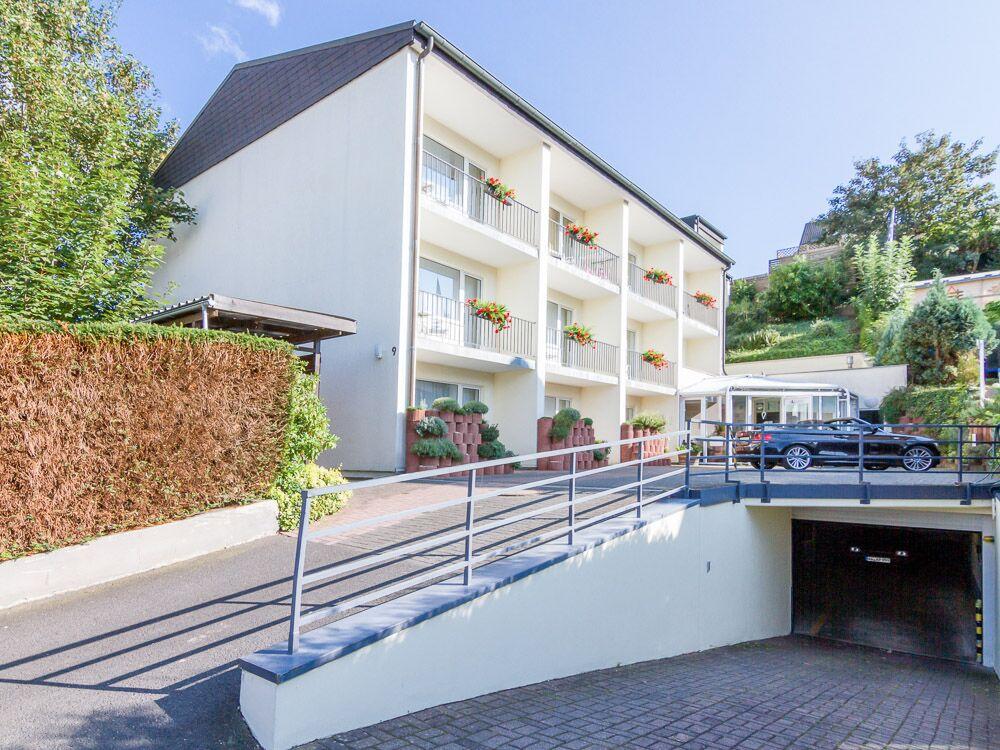 Ahrtal Apartments Ferienwohnungen außen Tiefgarage Parkplatz