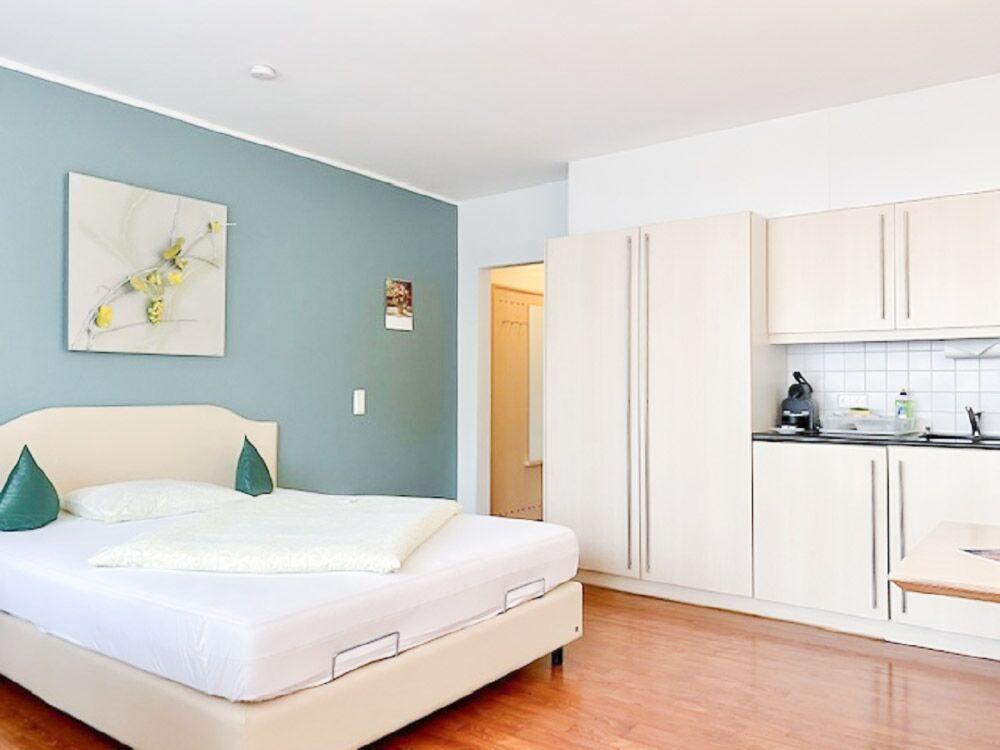 Ferienwohnung Wohnzimmer Küche Schlafzimmer Herrenberg